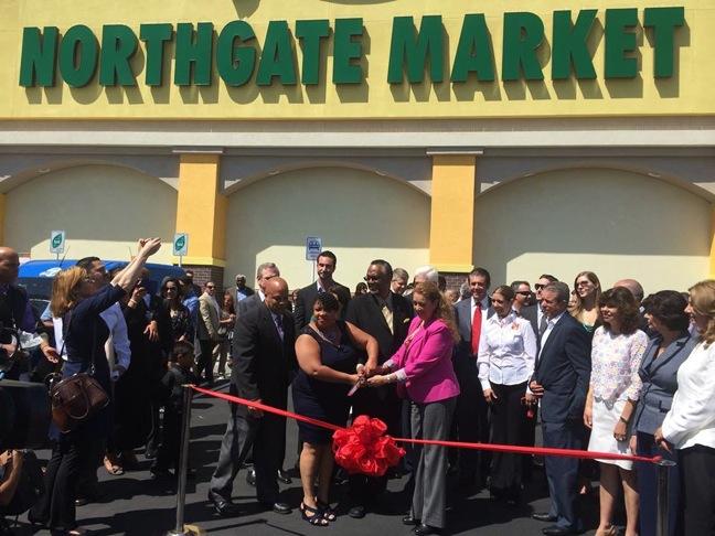 Northgate Gonzalez Supermarket  >> Northgate Gonzalez Opens South L A Store
