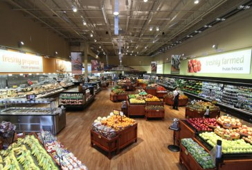 Winn-Dixie Opens Coral Way Store Featuring Bilingual Décor Package