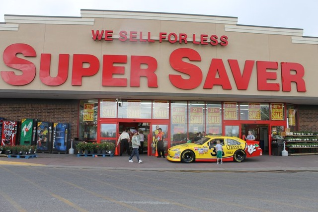 Grand Island, Neb., Super Saver Helping Firefighters
