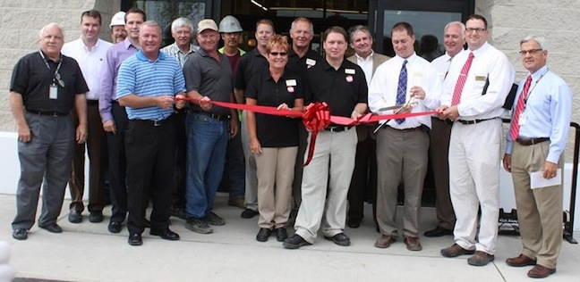 Cash Wise celebrated its Watford N.D., grand opening July 17.