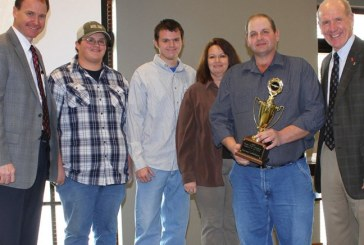 Food City Recognizes Tenn. Farmer With Grower Of The Year Award
