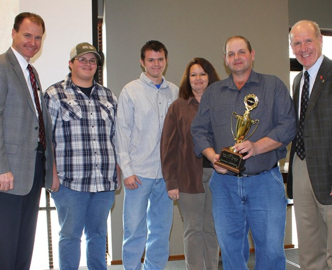 http://www.theshelbyreport.com/2014/02/21/food-city-recognizes-tenn-farmer-with-grower-of-the-year-award/