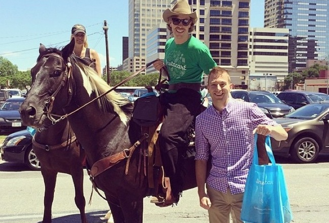 Instacart Launches In Austin With H-E-B, Royal Blue Grocery