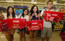 Meijer Welcomes 40,000 College Freshmen At 'Meijer Mania' Events