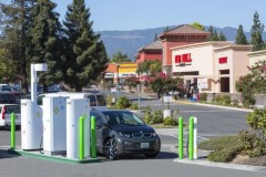 Raley's Becomes First NorCal Retailer To Install EV Fast Charging Station