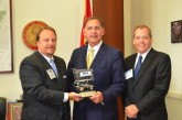 NGA Presents U.S. Senators With Champion Of Independent Grocers Award