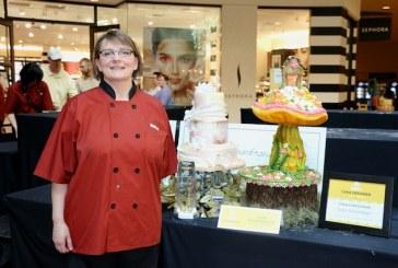 Hy-Vee Crowns 2015 Cake Designer Challenge Winner