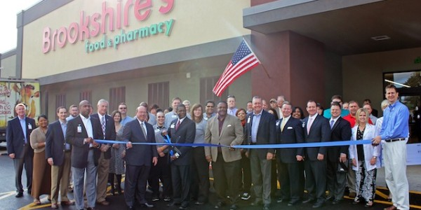 The Brookshire's team and the community celebrate the grand reopening of the store in Monroe, Louisiana.