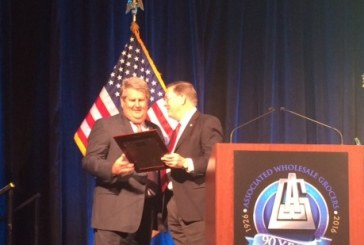 Jerry Garland Receives NGA Industry Service Award