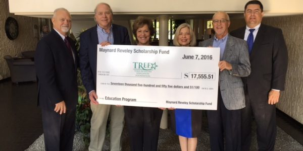 Joe Williams, consultant, Texas Retailers Association (TRA); Don Spencer, Performance Sales and Marketing; TREF board member Dawne Proffitt, Randalls; Jeanie and Gary Trippie; TRA President George Kelemen.