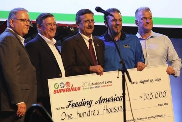 Feeding America Receives $100,000 Donation At Supervalu's National Expo