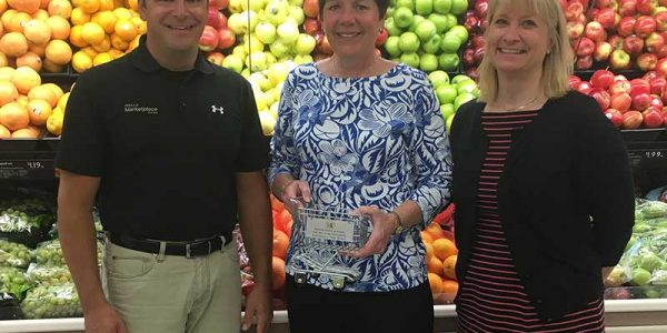 Bruce Mandler, Wells Marketplace Foods; Rep. Peggy Bennett (R-Albert Lea); and Jamie Pfuhl, president, Minnesota Grocers Association.