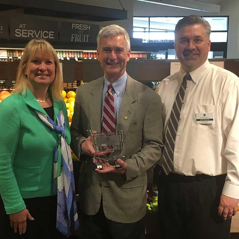 Jamie Pfuhl, president, Minnesota Grocers Association; Sen. David Hann (R-Eden Prairie); and Gary Baldus, Lunds & Byerlys.