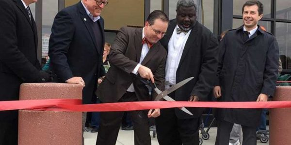 Martin's President and CEO Rob Bartel cuts the ribbon on the new South Bend store.