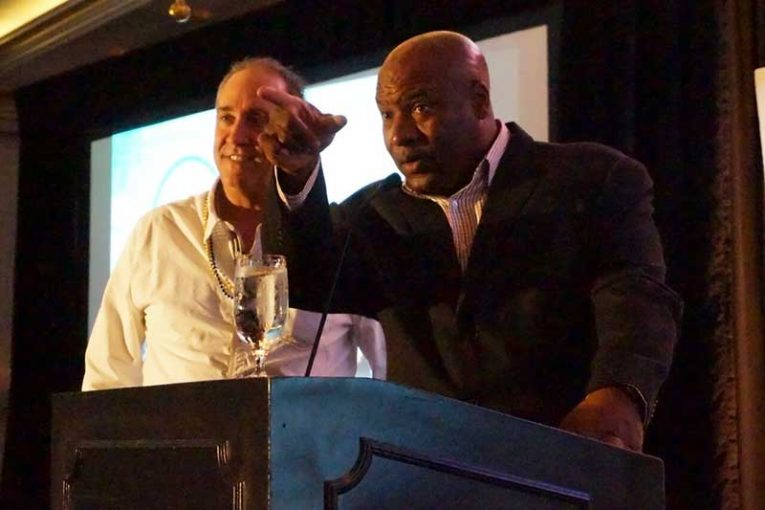 Bo Jackson steps in to relieve Mike Ridenour of Kraft Heinz as auctioneer.