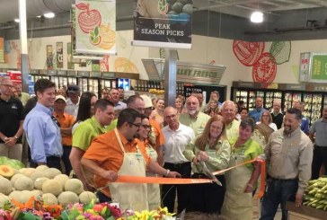 Save Mart Hosts Grand Opening At New Ceres, California, Store