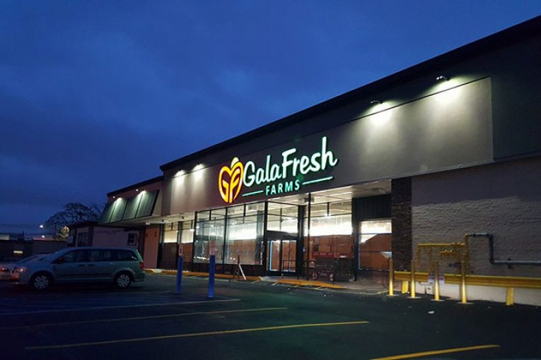Nj s galafresh farms stores to give away free groceries for Fish market paterson nj