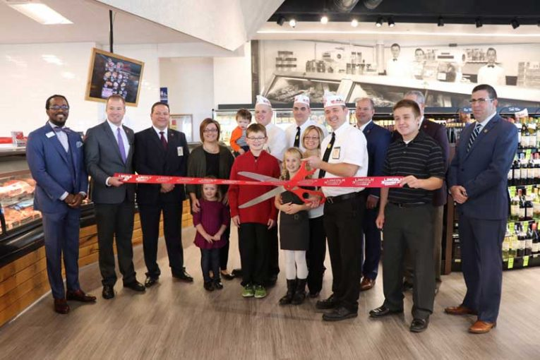 The ribbon-cutting for Fareway's newest meat market.