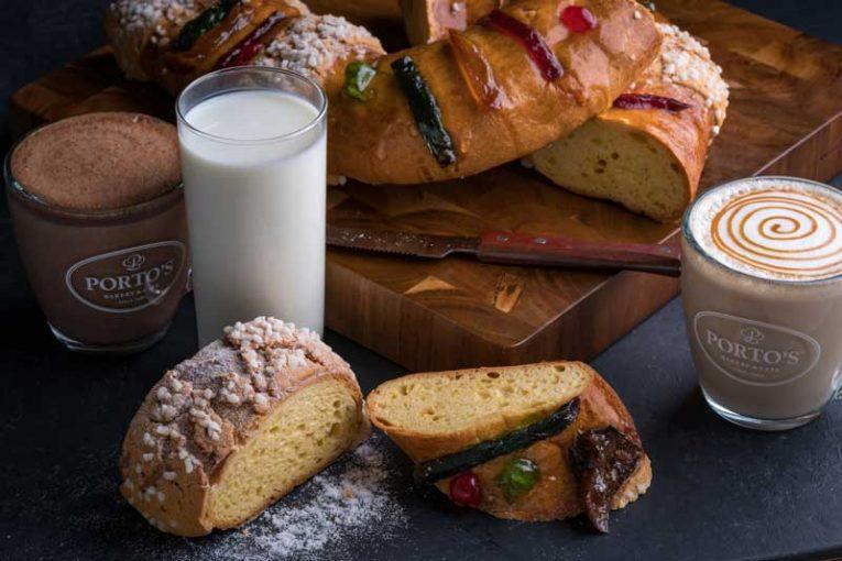 Rosca de Reyes and milk