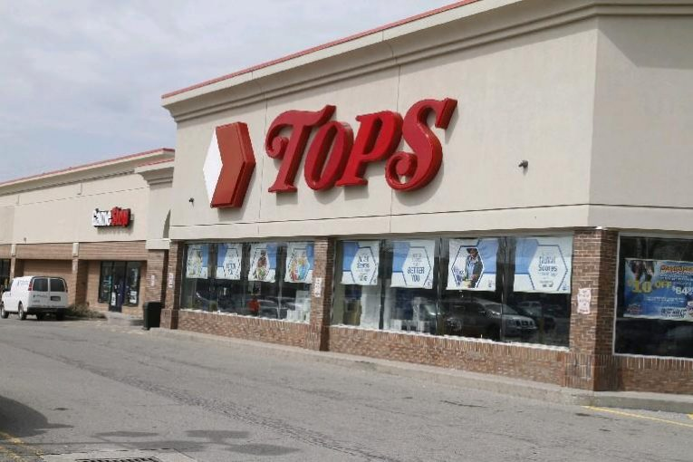 Tops underperforming stores to close