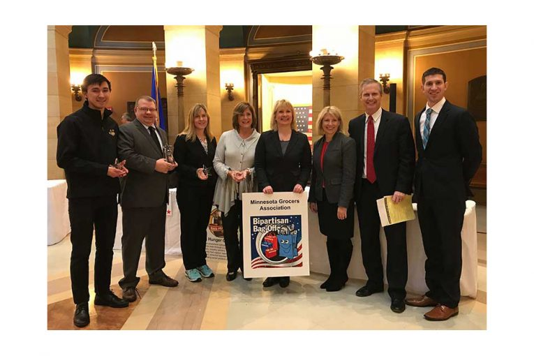 Caleb Meyer, Minnesota Best Bagger; Rep. Ron Kresha (R-Little Falls); House Minority Leader Melissa Hortman (D-Brooklyn Park); Laura Bakk; Jamie Pfuhl, MGA president; Department of Commerce Commissioner Jessica Looman; MC Tom Hauser, KSTP; and Sen. Jeremy Miller (R-Winona).