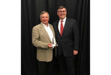 NGA Presents Great American Award To Doc's Food Stores President
