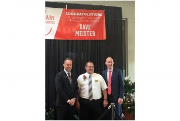 Plattsmouth, Nebraska, Hy-Vee Employee Earns Company's Highest Honor