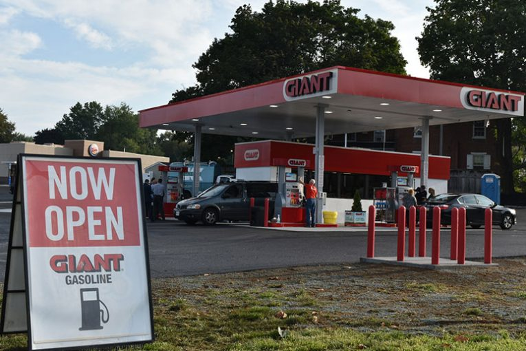 Lititz, Pa. Giant fuel station