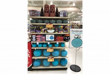 Reasor's Promotes Food Allergy Awareness With Teal Pumpkin Campaign