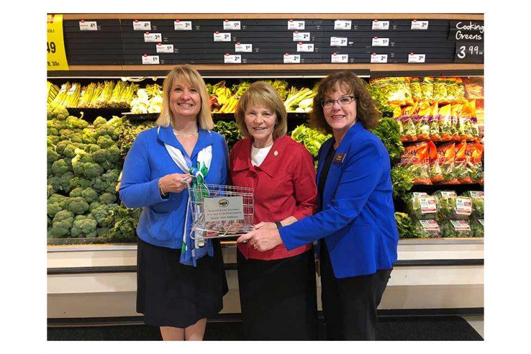 Jamie Pfuhl, Sen. Mary Kiffmeyer and Cub Foods store manager Paula Schmitz.