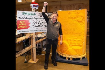 Stew Leonard's Unveils The World's Largest Cheese Statue